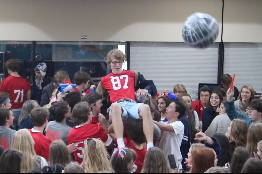Upper Schoolers started their own pre-pep rally in the commons.